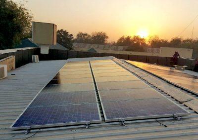 – PV-Hybrid System Nigerian bank 11 x 8 kWp + 72 kWp